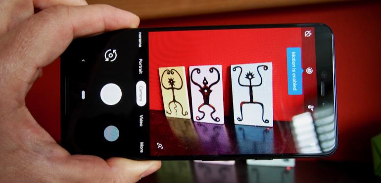 Google Pixel 3XL camera interface hero size