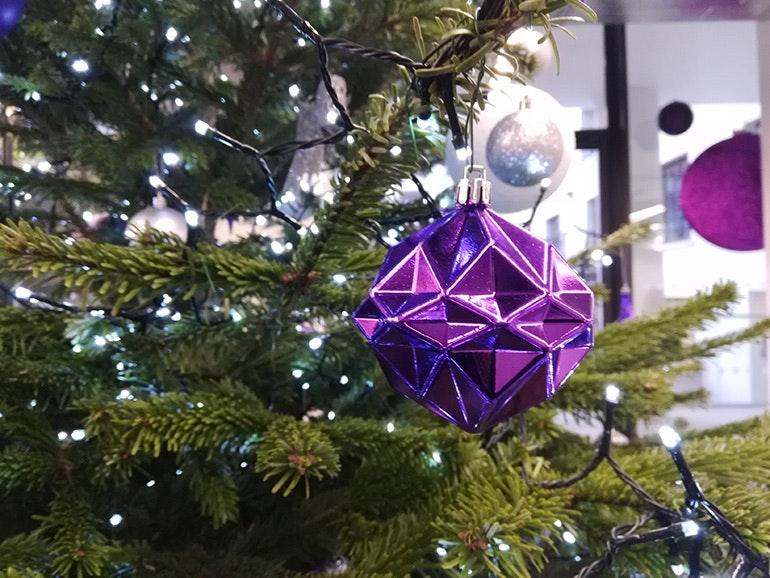 Honor-7X-camera-sample-Christmas-tree