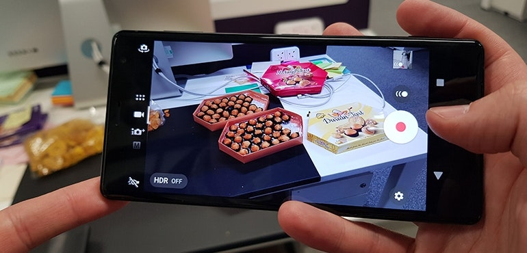Sony-Xperia-XZ2-camera-in-action