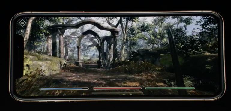 iPhone XS gaming screen