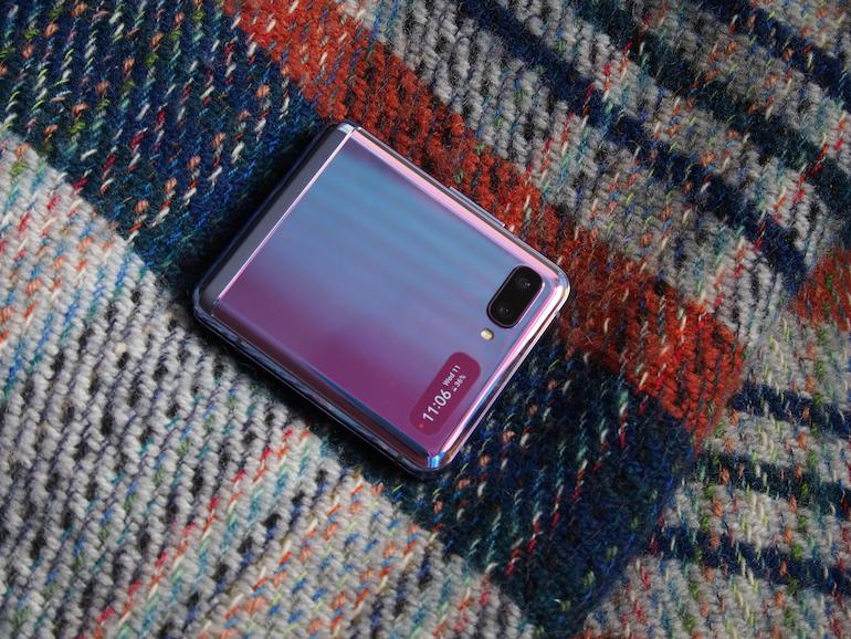 Samsung Galaxy Z Flip closed blanket