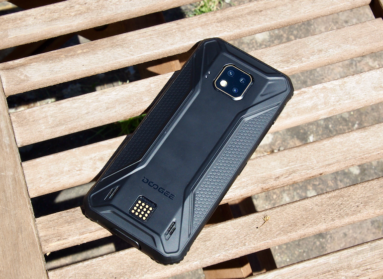 Doogee S95 Pro back sun