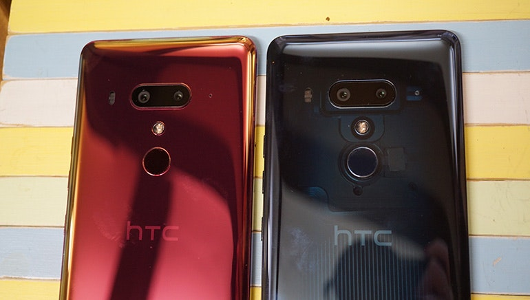 HTC U12 Plus red and black