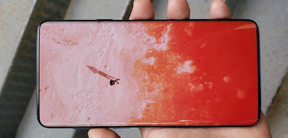 The Galaxy S10 and Note 10 won't have screen notches, Samsung hints
