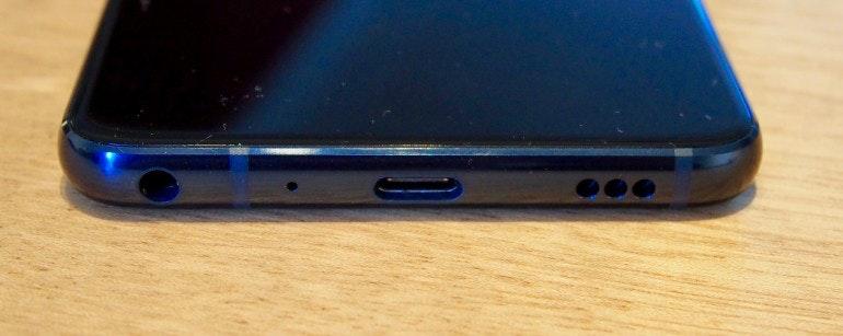 LG G7 ThinQ headphone jack