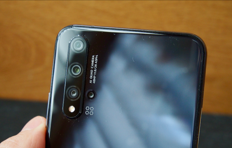 Huawei nova 5T camera lenses close up
