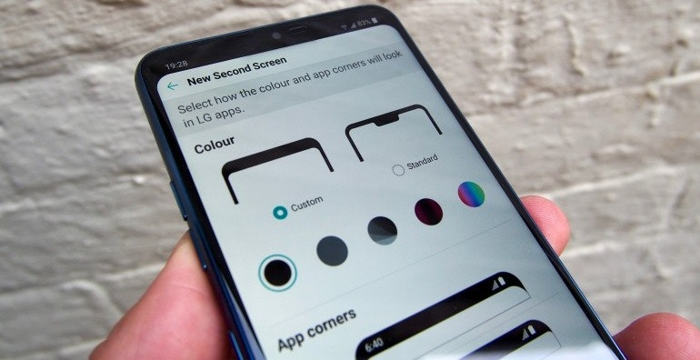 LG G7 ThinQ screen colour settings