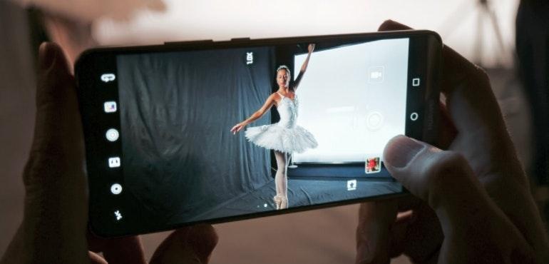 Huawei Mate 10 ballerina camera hero size