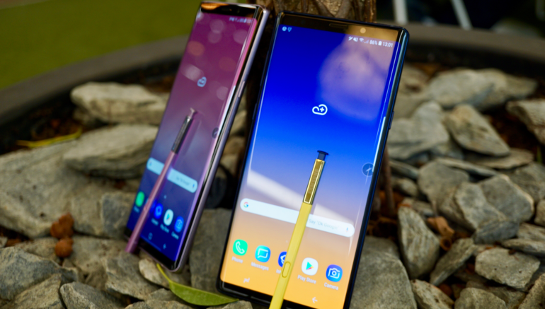 Samsung Galaxy Note 9 S Pen stylus purple and blue homescreens