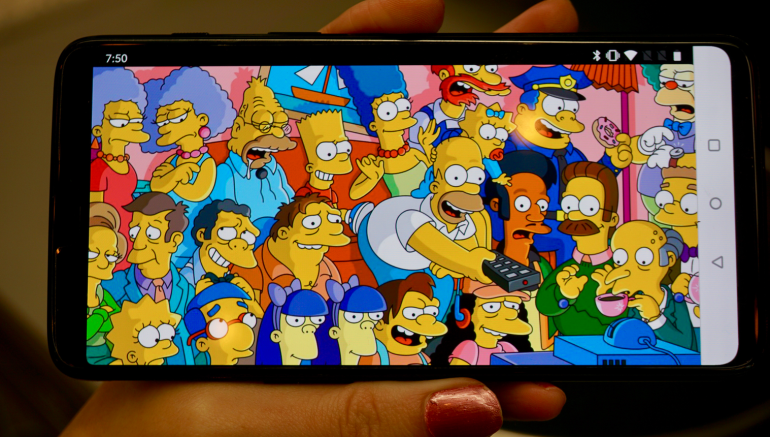 OnePlus 6 screen Simpsons hero size