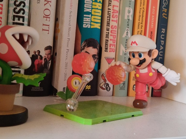 OnePlus 8 Pro camera Mario