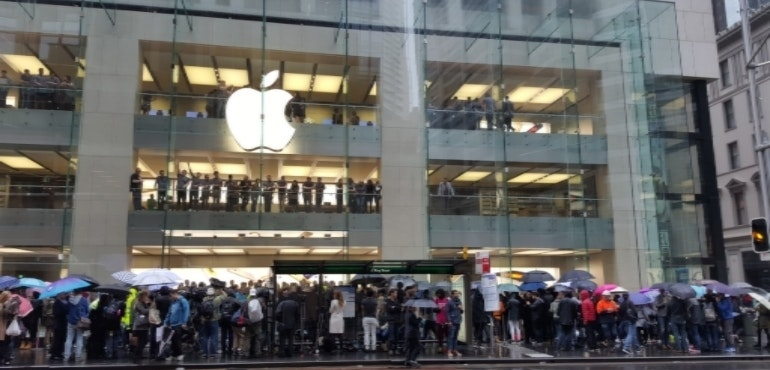 apple store queues