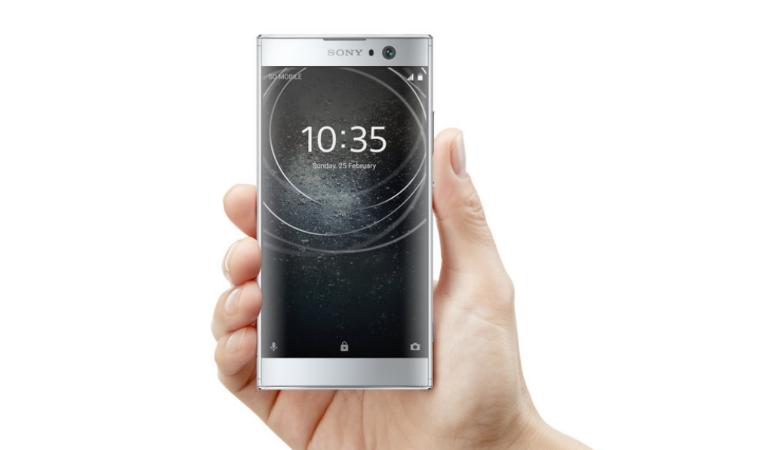 Sony Xperia XA in hand