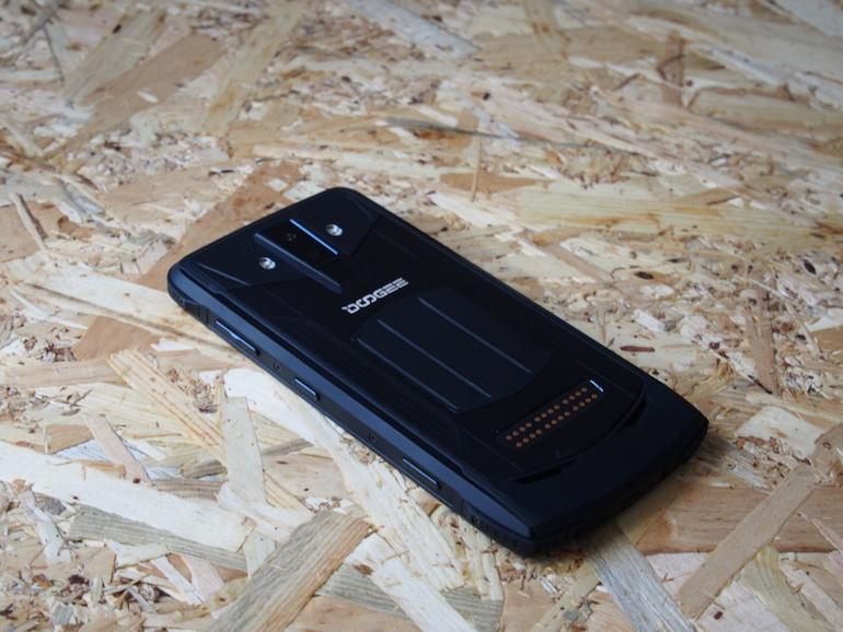 Doogee S90 back