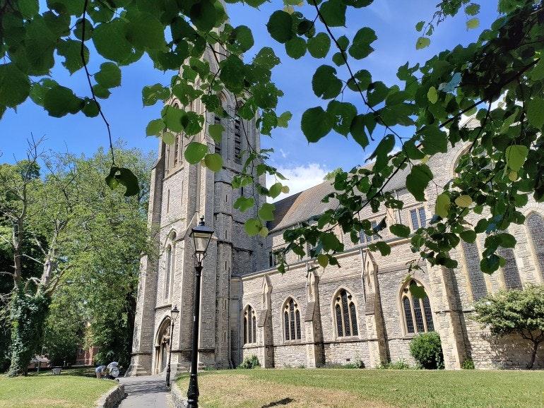 OnePlus Nord CE camera sample church
