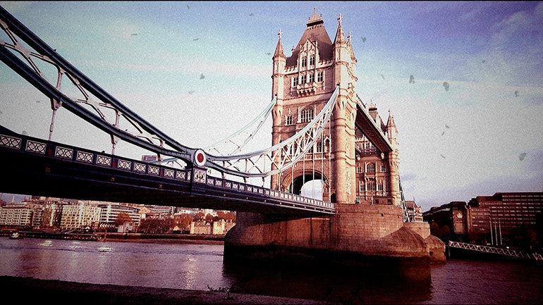 Sony-Xperia-XZ1-camera-sample-Tower-Bridge-old-film-filter