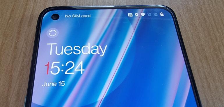 OnePlus Nord CE lockscreen hero size