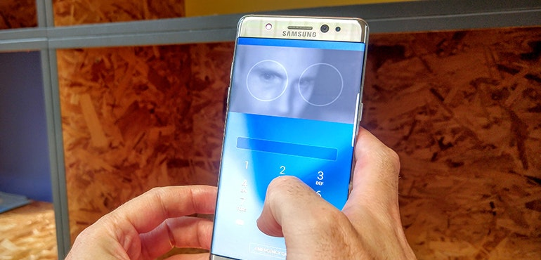 Samsung Galaxy Note 7 eyeball scanner