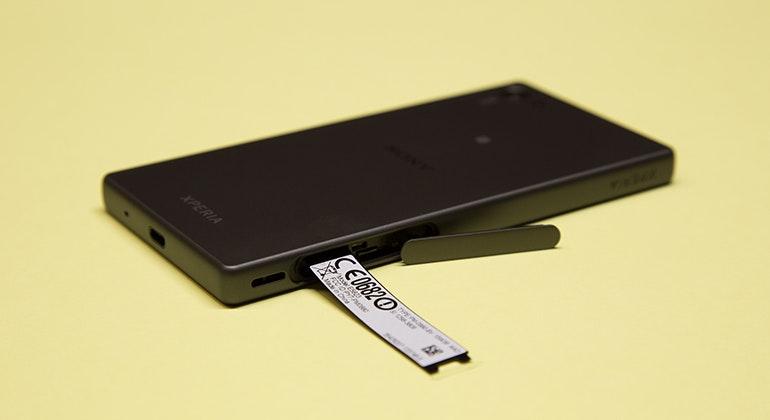 sony xperia z5 compact tray