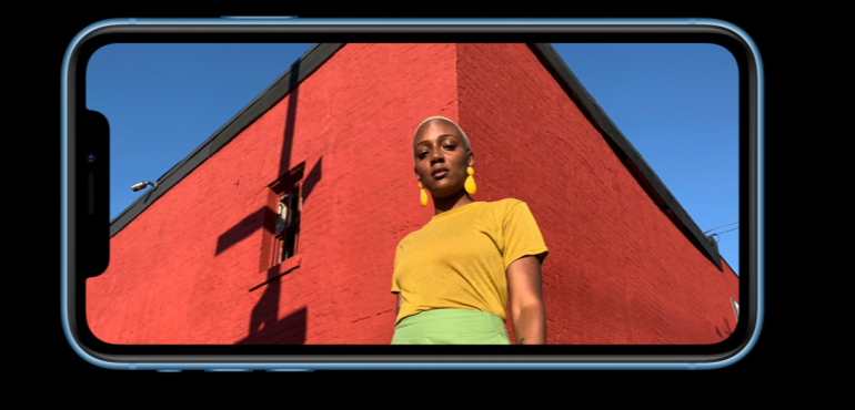 iPhone XR camera full screen blue hero size