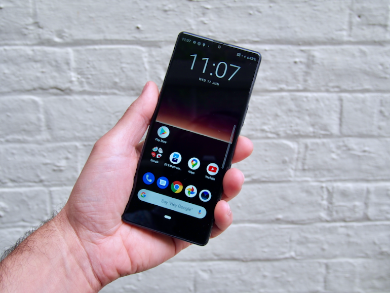 Sony Xperia L4 front