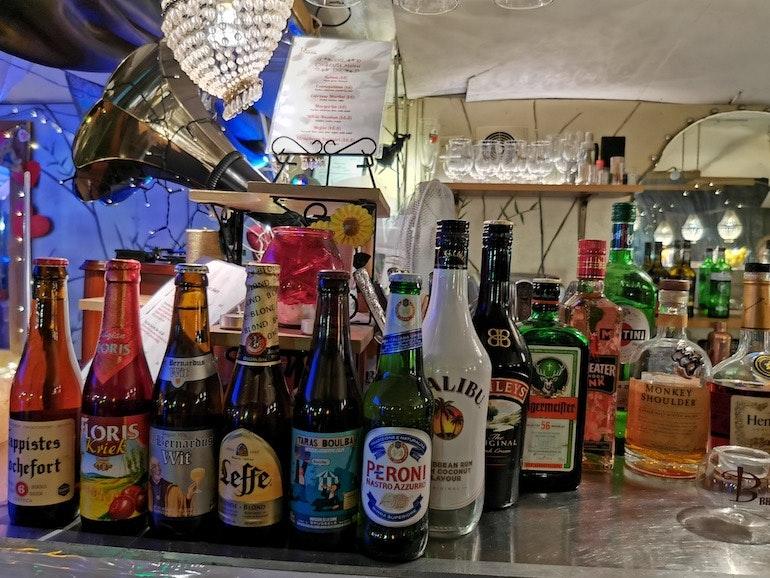 Honor 20 Pro Bottles night mode