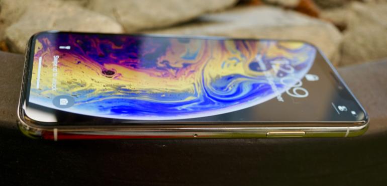 iPhone XS side on lock screen hero size