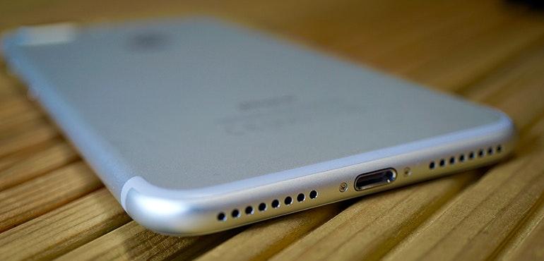 iPhone 7 Plus lightning dock