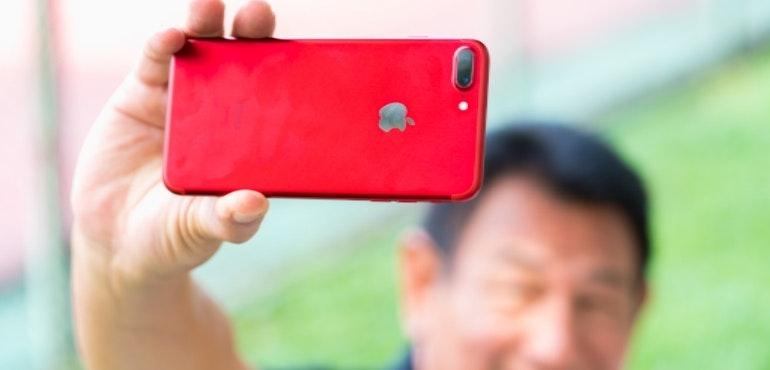 iphone 7 red selfie