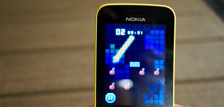 Nokia 8110 Snake game hero size