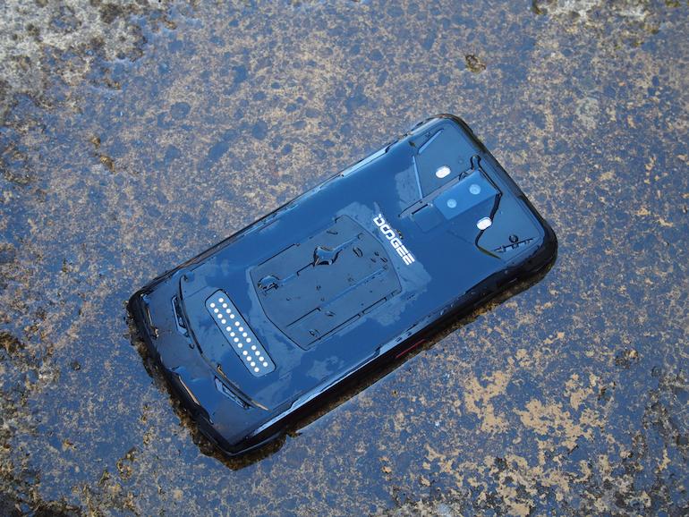 Doogee S90 wet back