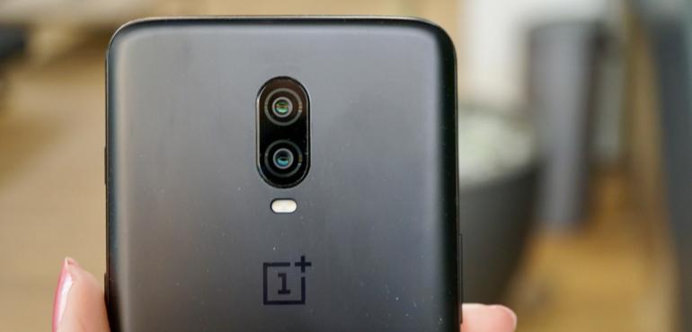 OnePlus 6T black back camera lens closeup hero size