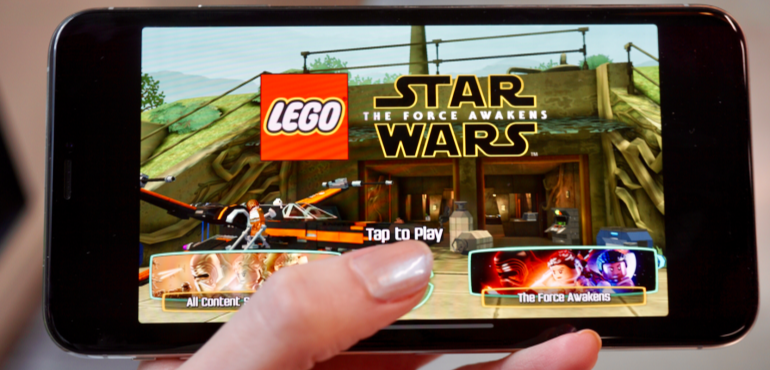 iPhone XS Max screen Lego Star Wars game hero size