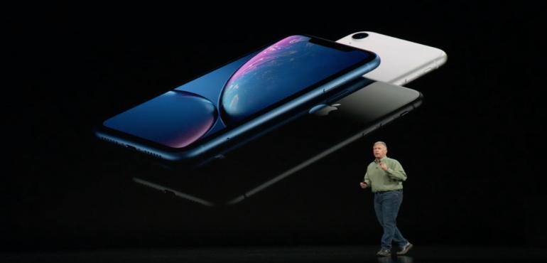 iPhone Xr hero triplicate