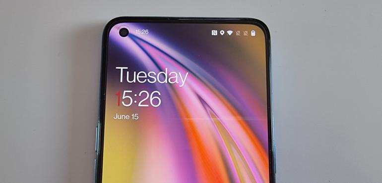OnePlus Nord CE lock screen hero size