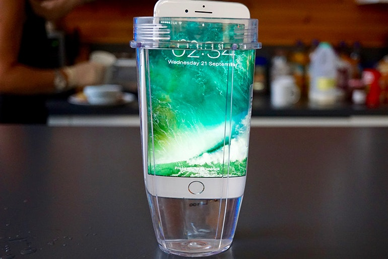 iPhone 7 Plus water jar