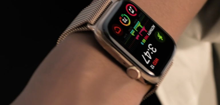 Apple Watch Series 4 health fitness