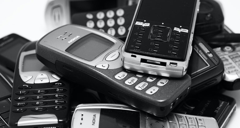 History of mobile phones | What was the first mobile phone?