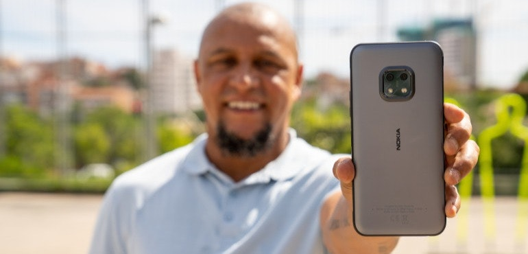 017 - Football legend Roberto Carlos and freestyler Lisa Zimouche put the new life-proof 5G smartphone, the Nokia XR20, through its toughest test