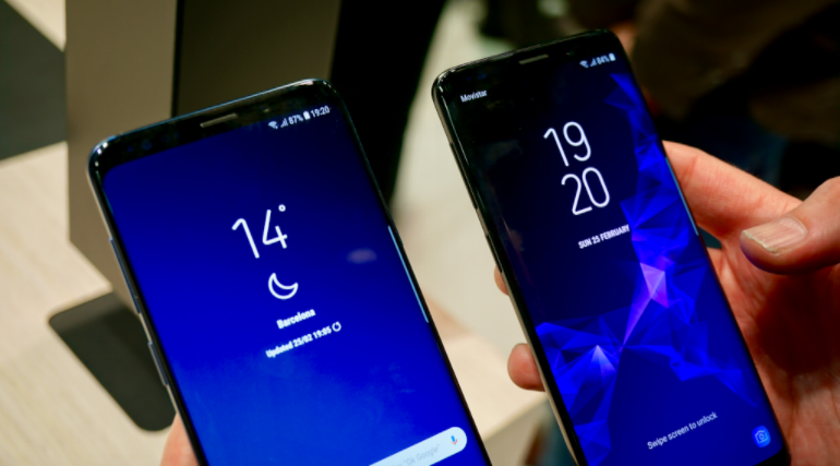 Samsung Galaxy S9 and S9 Plus in-hand homescreens