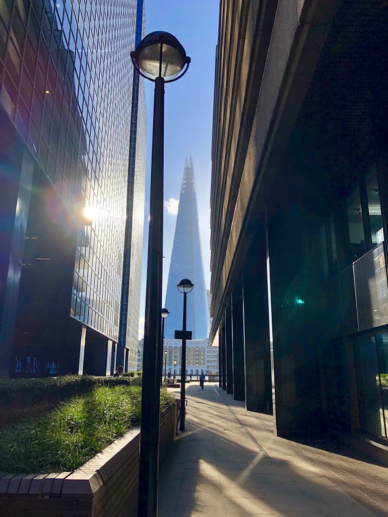 iPhone-X-camera-sample-sunlight-and-the-Shard