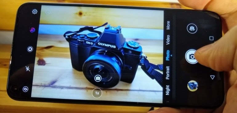 Honor View 20 camera interface hero size