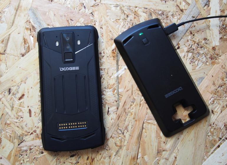 Doogee S90 battery module charging 2