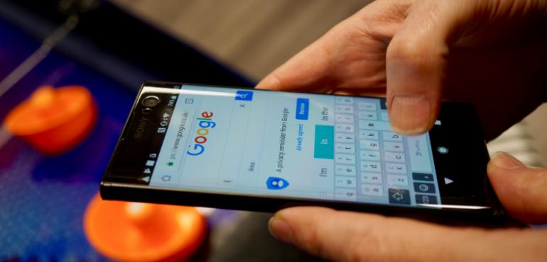 Sony Xperia XZ2 Google hero size