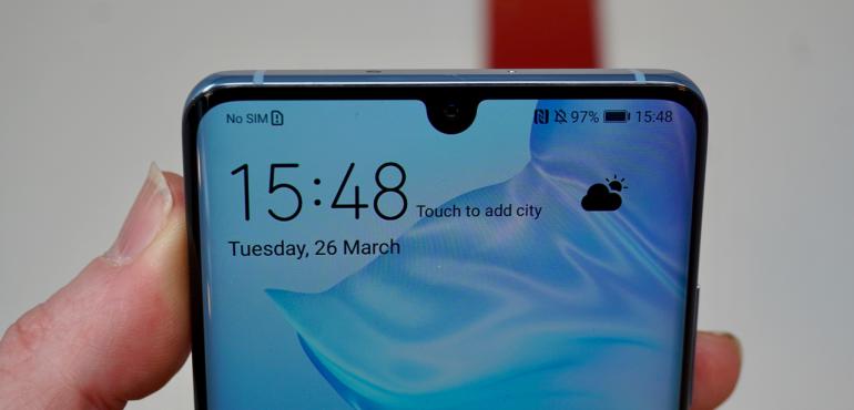 Huawei P30 teardop notch screen closeup hero size