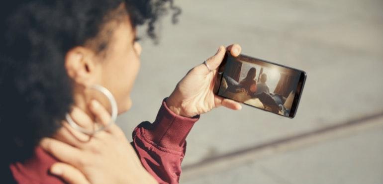OnePlus 5t lifestyle hero