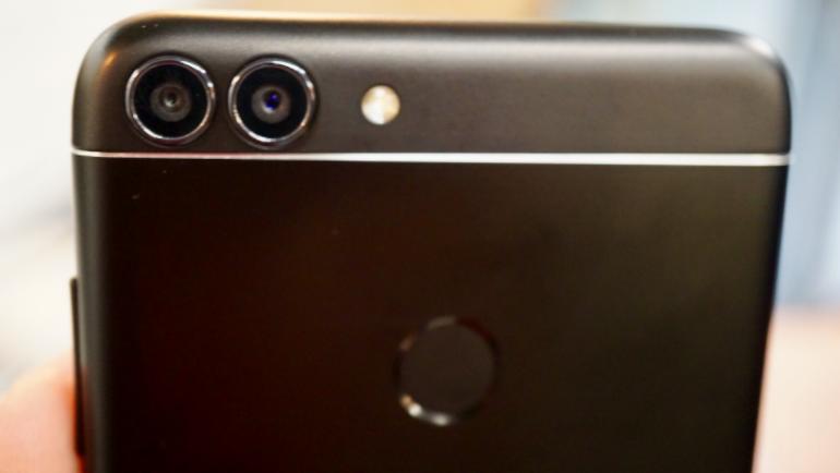 Huawei P smart back fingerprint and dual lens