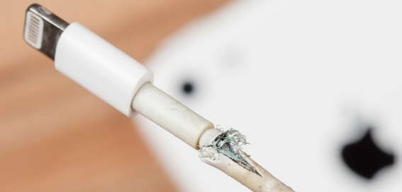 Student burnt by 'dodgy' iPhone cable