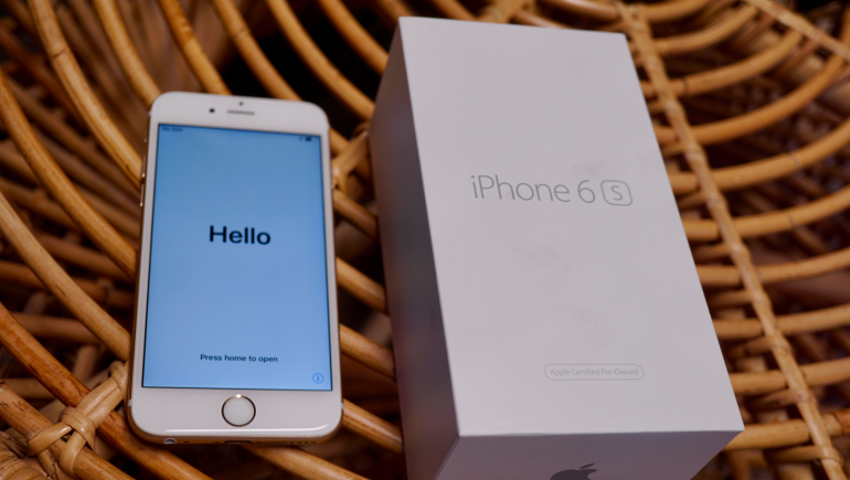 iPhone 6s refurbished like new with box