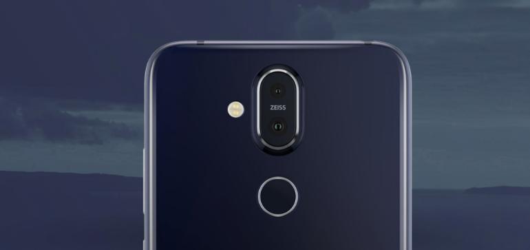 Nokia 8.1 camera lens